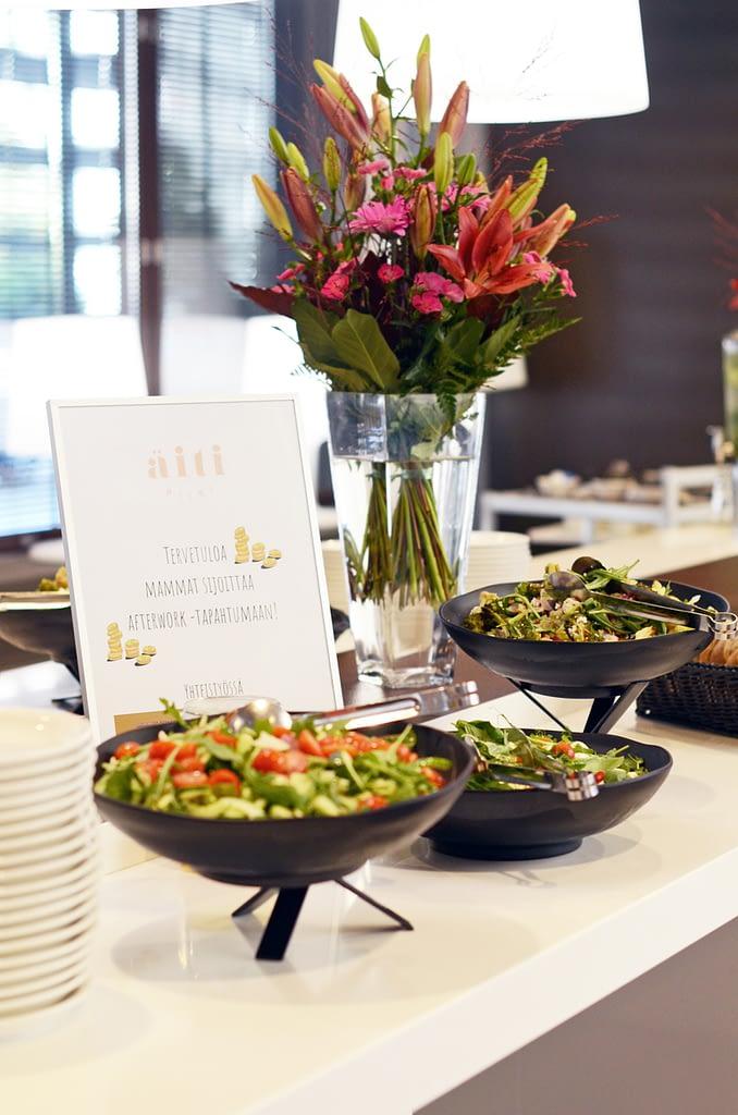 mammat-sijoittaa-afterwork-salaatti-buffet-kukilla