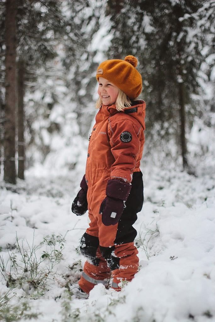 Liikunta auttaa koronaväsymyksen keskellä. Nauti liikunnan ilosta sisällä tai ulkona – ja ota lapsi mukaan!