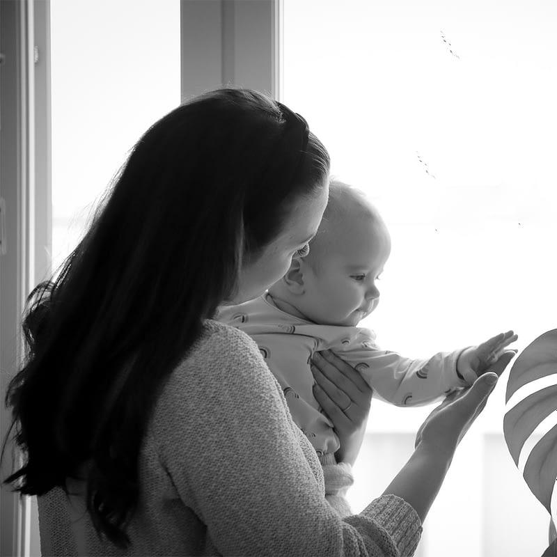 Vuosi vauvahoivaa -verkkomateriaali on laadukas ja visuaalinen tietopaketti vauvasi ensimmäisestä vuodesta.