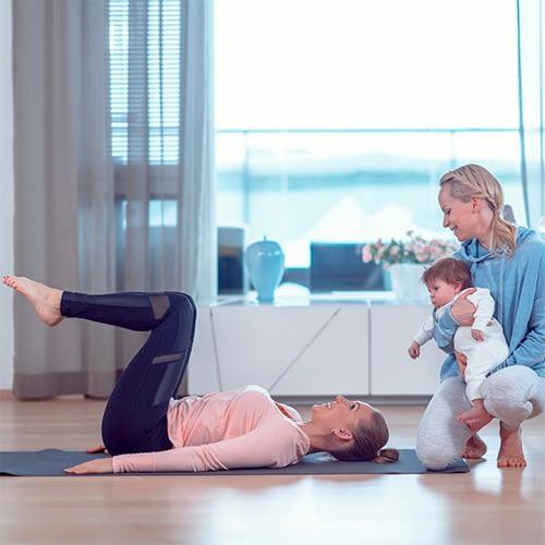 Kuntouta keskivartalo -verkkovalmennus kuntouttaa keskivartalosi raskauden ja synnytyksen jälkeen.