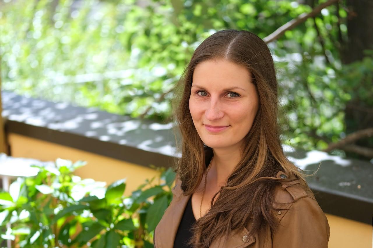 Mirka Tuovinen Puhdilta kirjoitti Vieraskynän äidin rautavarastoista.