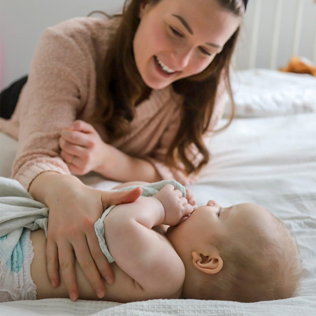 Vauvahoivan lempeät ja luotettavat ammattilaiset hoitavat vauvaasi silloin, kun tarvitset apua arkeen.