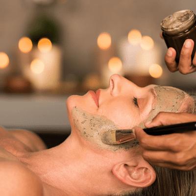 Charmoniespa – Luxury & Vitality, Ylellisyyttä ja elinvoimaa -kasvohoito (1h)
